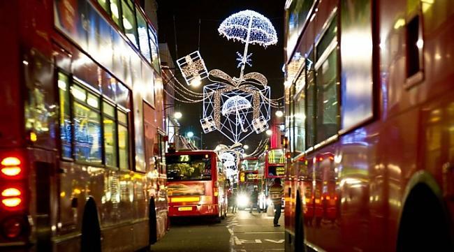 Oksfordas iela Londona Autors: Fosilija Svētku noskaņās