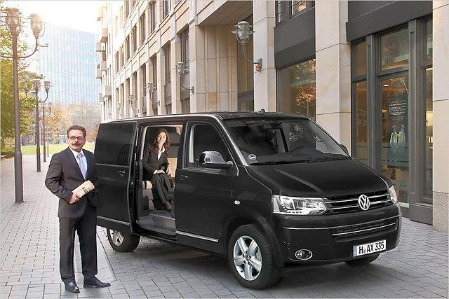 No ārpuses luksusa Multivan... Autors: HHRonis Pats dārgākais Volkswagen busiņš.