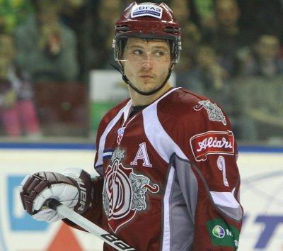 Rodrigo Laviņš 2 Aizsargs ... Autors: saulite95 Latviešu hokejisti