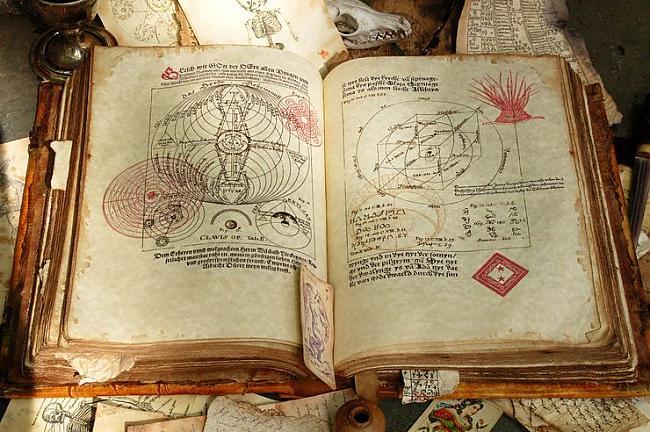 Velak loti populari kluva... Autors: zirdziniece Antropodermiska bibliopedžija