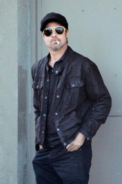 Brad Pitt  Pīpē jau vairākus... Autors: titiuu Slavenību kaitīgie ieradumi