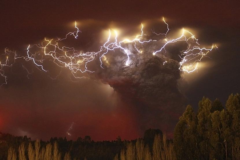 Kadrs pēc vulkāna izvirduma... Autors: BAii Interesanti notikumi, kas notikuši šogad