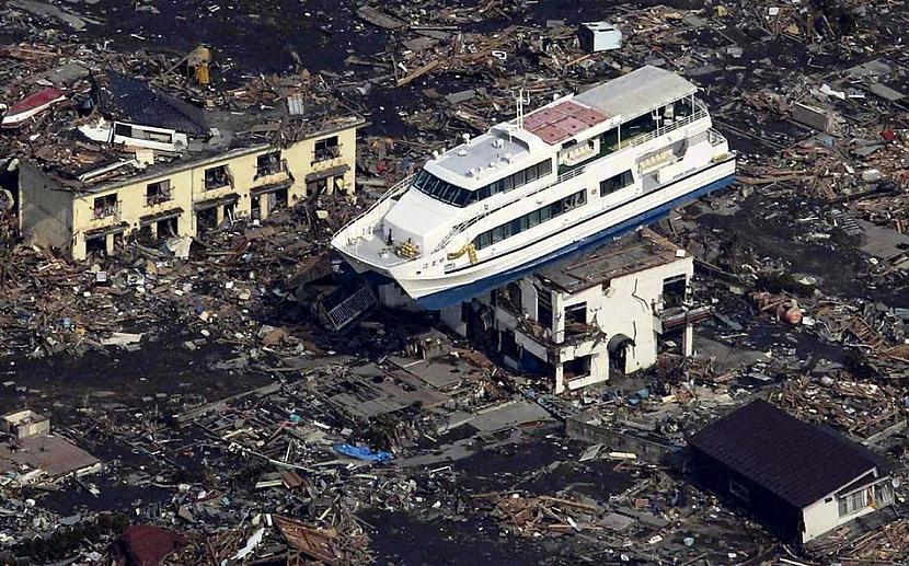 Tūristu kuģis kas pēc cunāmī... Autors: BAii Interesanti notikumi, kas notikuši šogad