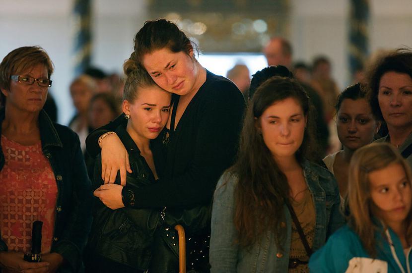 Cilvēki sēro par saviem... Autors: BAii Interesanti notikumi, kas notikuši šogad
