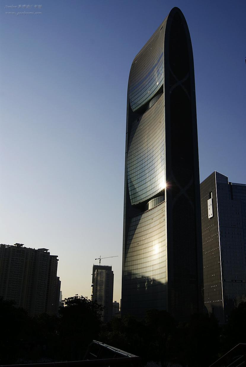 10 vieta Pearl River Tower... Autors: estrella Top 10 augstākās celtnes kuras pabeigtas 2011. gadā.