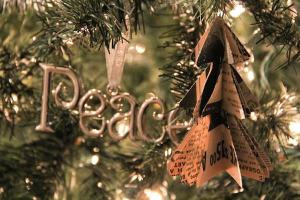 Autors: Lithium DIY mazās Ziemassvētku eglītes.