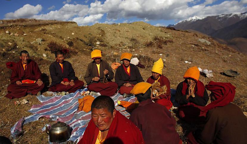 Joprojām pusdienu pauze Autors: gnosin Tibetiešu sieviešu klosteris