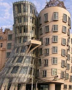 Dejojošā māja Prāgā    Prāgas... Autors: Nikon259 Dažas ļoti interesantas celtnes pasaulē