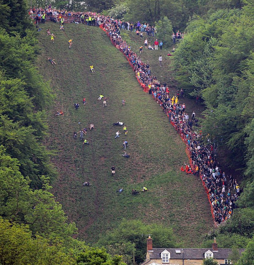Scaronis ir pats kalns  ir... Autors: inurbed siera ķeršana at Coopers hill