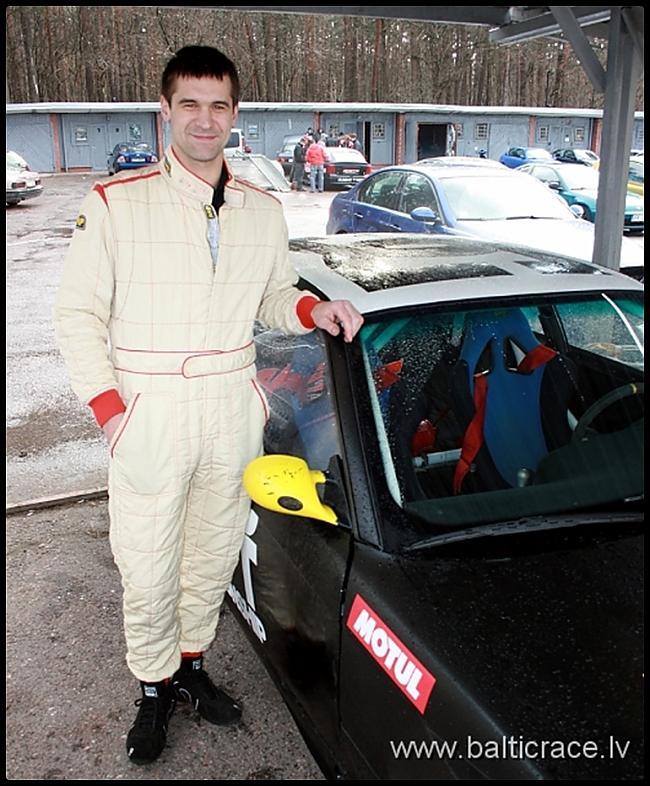 Kristaps Bluscarons brauc ar... Autors: Fosilija Latvijas Pro Drifta Auto Apskats Ar Pilotiem 2010.