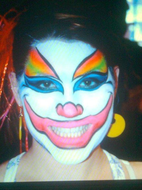 Autors: awesome bitch maskas