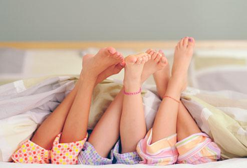 Tu iegulies gultā un aiz... Autors: gārfilds Prikoli no dzīves. [ 2 ]