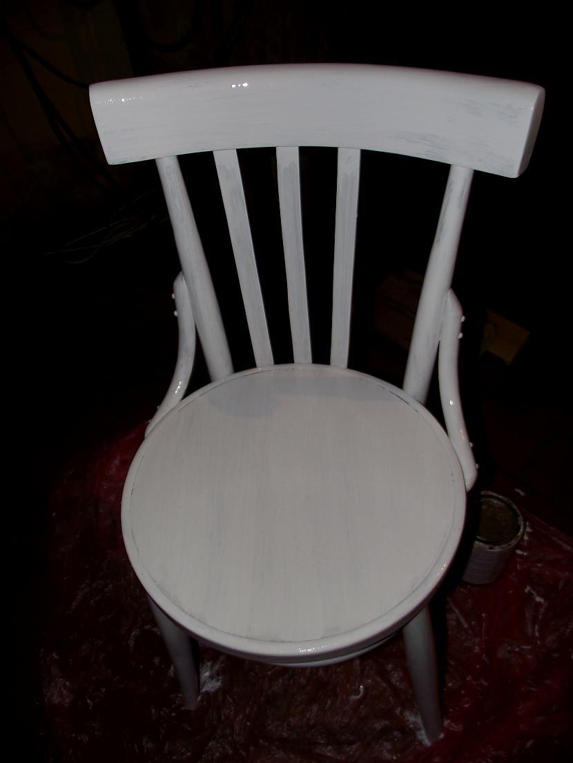 Kad krēsls ir nokrāsots ļaujam... Autors: sapesprieksunasaras Otra elpa