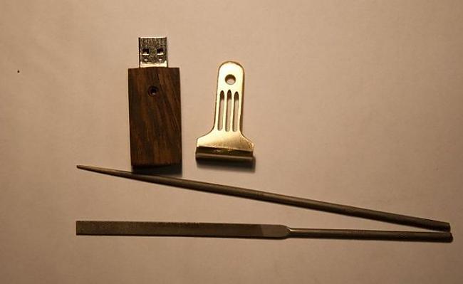 Autors: nolaifers Koka USB flash.