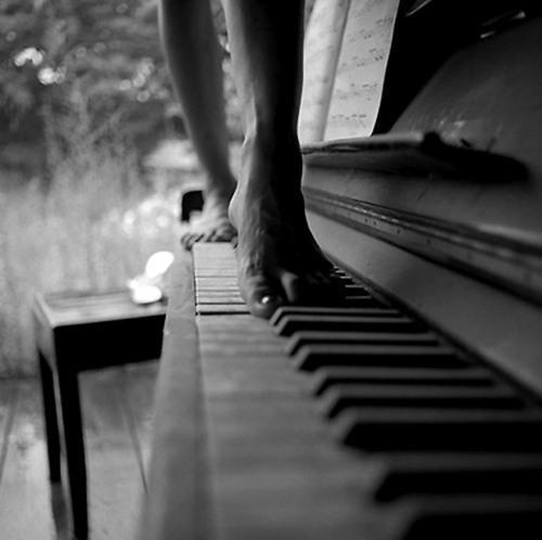 Tu biji kā dziesma kuru nebiju... Autors: BellisimaChica love is gone.