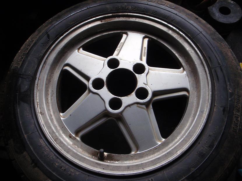 Diski sākumā Autors: Krizix Krāsoju un pulēju Mercedes diskus