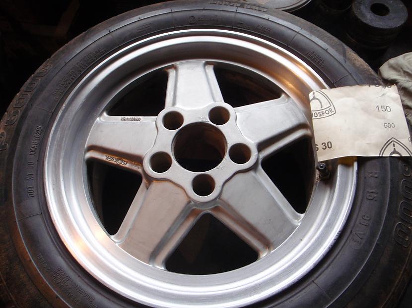 P150 Autors: Krizix Krāsoju un pulēju Mercedes diskus