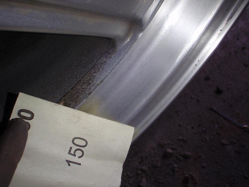P150 un var redzēt ka liekot... Autors: Krizix Krāsoju un pulēju Mercedes diskus