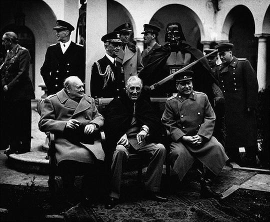 Darts Veiders apmeklē Jaltas... Autors: Xmozarus Supervaroņi vecajās kara bildēs