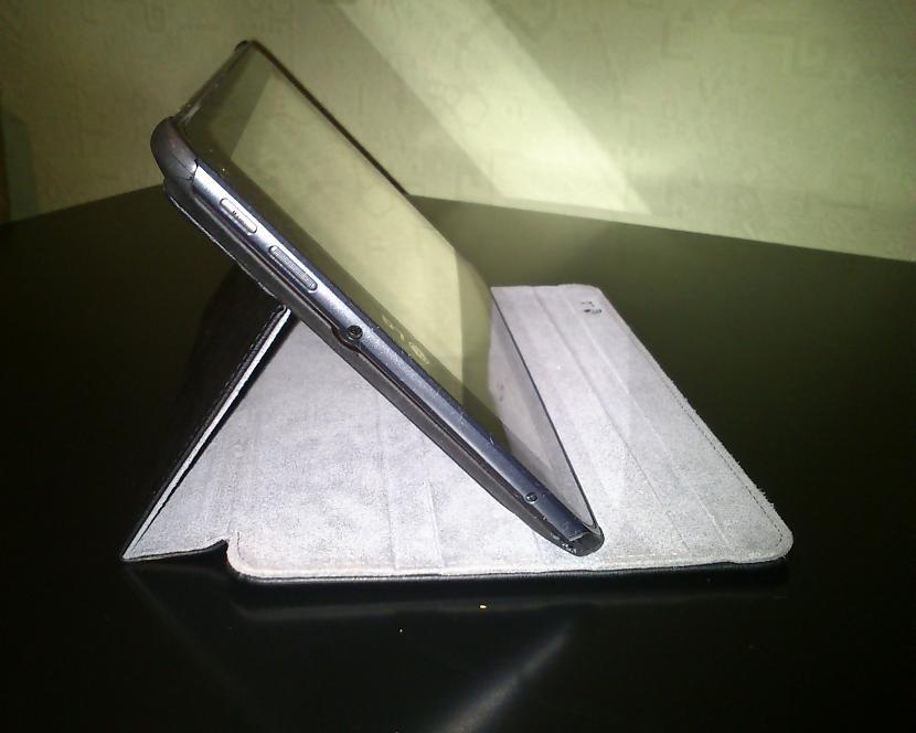 Planscaronetdatora komplektā... Autors: Awere85 LG V900 jeb LG Optimus Pad 3D planšetdators