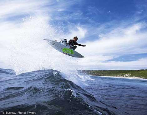 Sponsori Billabong wetsuits... Autors: whosays Best Male Surfers 2012