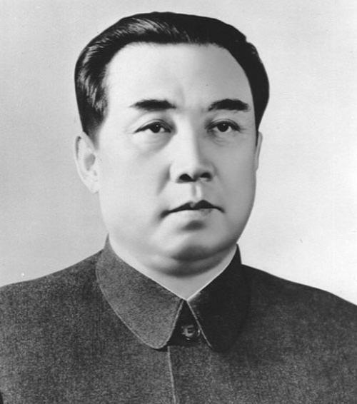 Kim Ir Sens  Komunistiskās... Autors: BrĀLis scorpion1 Pasaules tirānu top-20