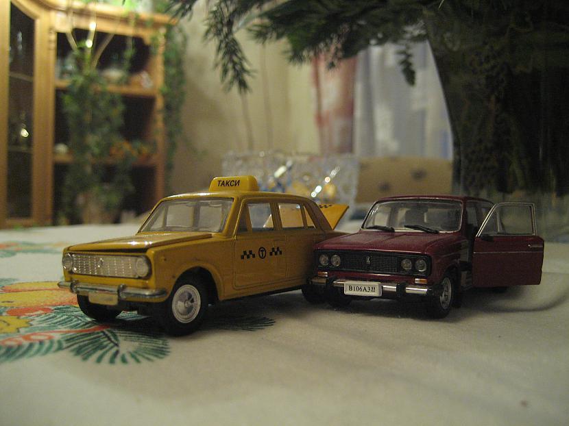 Pirmais un sestais žigulis Autors: Mimis Mana automodeļu kolekcija.