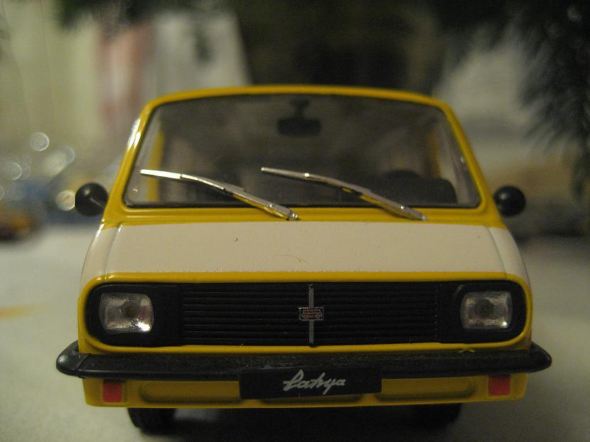 Raf 2203 Autors: Mimis Mana automodeļu kolekcija.