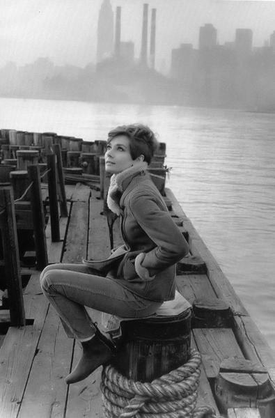 Not to live for the day that... Autors: serenasmiles Audrey Hepburn bildēs un citātos.