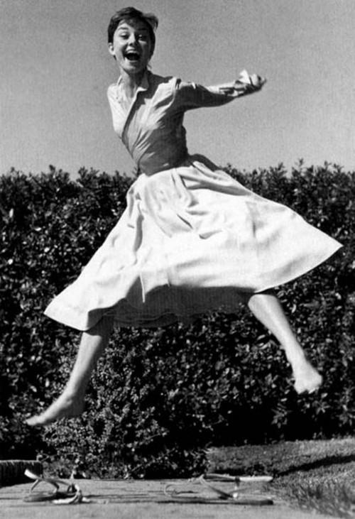 Sabrina was a dreamer who... Autors: serenasmiles Audrey Hepburn bildēs un citātos.