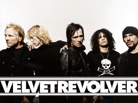 Pascaronlaik Slash uzturās... Autors: jankelliitis Guns N' Roses