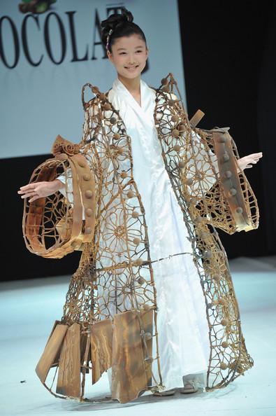 Aktrise no Dienvidkorejas Kim... Autors: Maus Šokolādes izstāde Francijā 2012