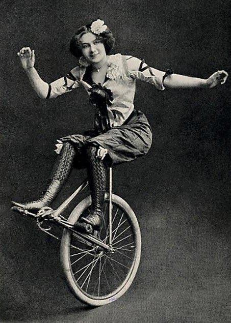 Autors: BlackRose69 Vintage Circus