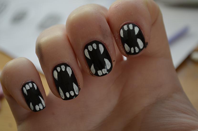 Var atstāt baltus zobus bet es... Autors: Gruzze DIY Halloween Nails