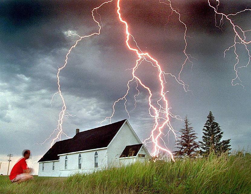 Autors: quattroq Viena no skaistākajām un bīstamākajām dabas  parādībām...