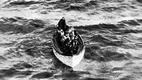 Kā nenogremdējams izslavētais... Autors: BrĀLis scorpion1 Aisbergs, ar ko sadūrās Titāniks!