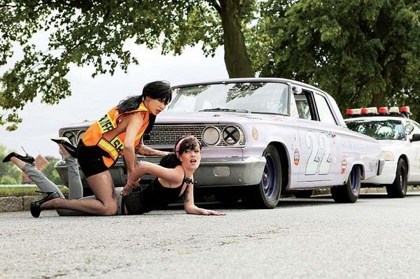 Autors: the13 Amerikāņu auto klasika un sievietes