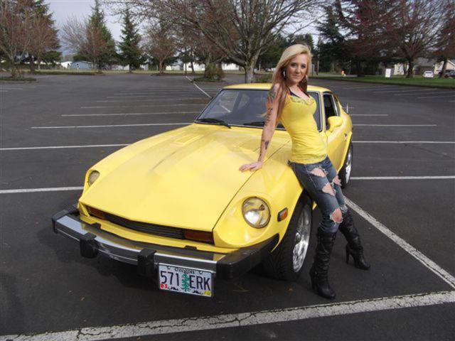 Autors: zegsī habit Tēvs piespiež meitu izģērbties auto reklāmai.