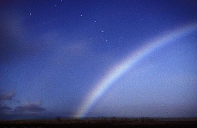 Autors: ORGAZMO Varavīksne naktī.
