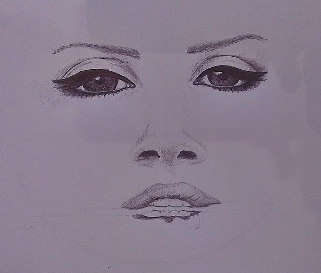 Sejas aprises sāk parāfīties... Autors: Siluets Mēģinot zīmēt ar pildspalvu.