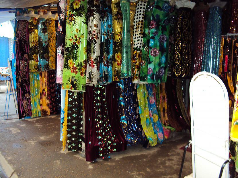 Dažādi lakati aizkari utt... Autors: lotinjaa Uzbekistānas tirgus un tā !