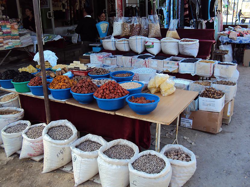 Uhh nu scaroneit jau redzami... Autors: lotinjaa Uzbekistānas tirgus un tā !