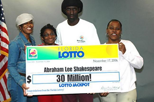 Abrahams paziņoja par savu 30... Autors: Xmozarus Laimē 30 miljonus, tiek nošauts!