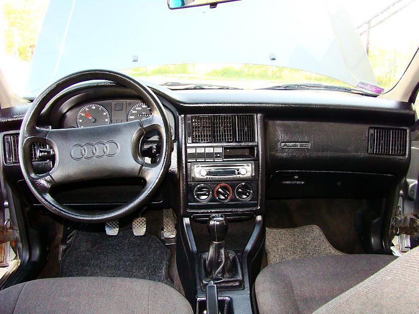 Audi 80 B3 salonsSalons... Autors: twitter15 Audi 80 B3