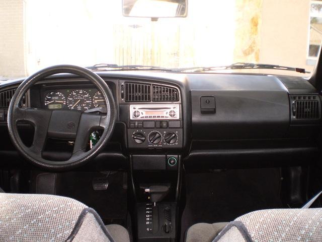 Scaronadi izskatās Passat B3... Autors: twitter15 Volkswagen Passat B3