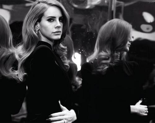 Videoklipā dziesmai... Autors: EjEllee Lana Del Rey