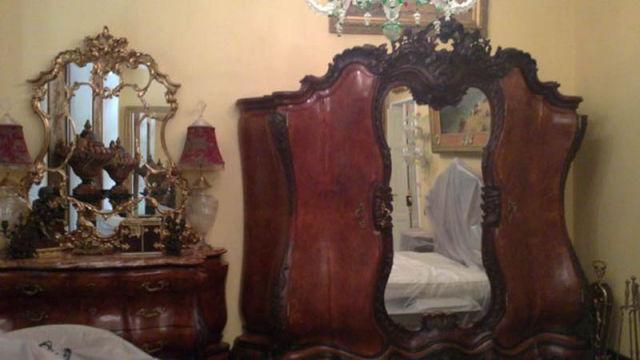 Autors: MONTANNA Tualete spogulī