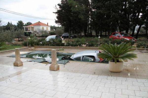 Autors: MONTANNA Papeldējās baseinā
