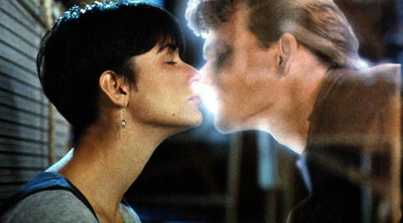 Поцелуи и объятия в культовых фильмах...
