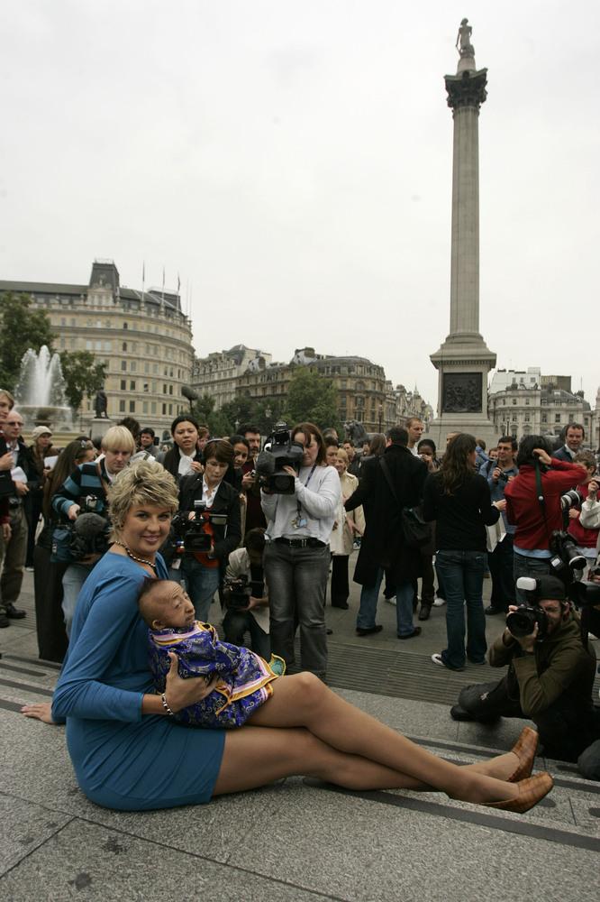 Самой длинноногой женщиной в мире признана россиянка Светлана